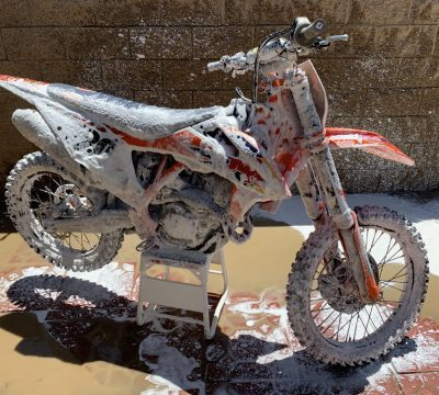 How to properly wash a dirt bike